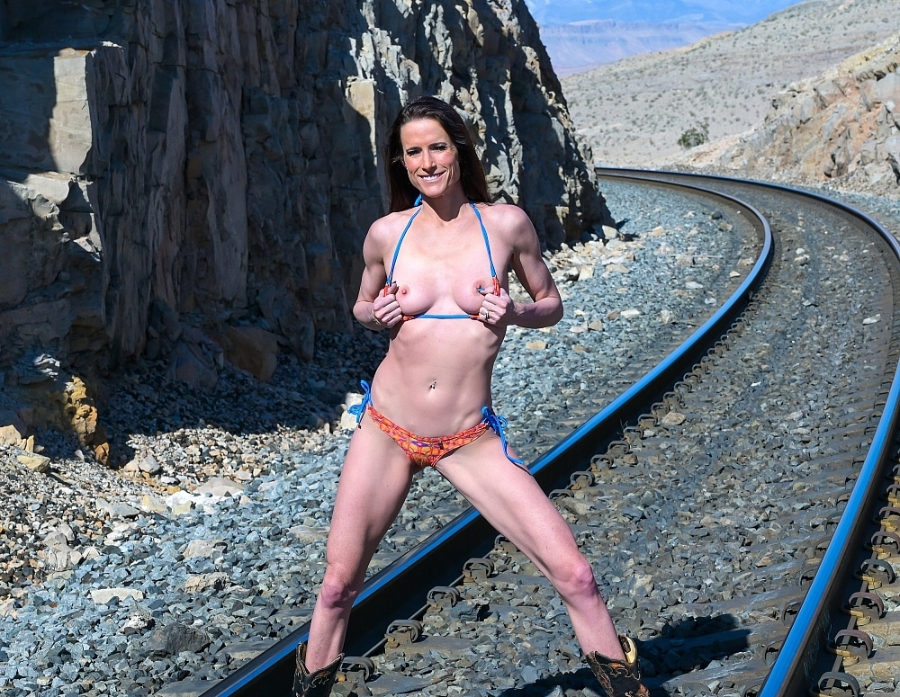 SofieMarieXXX/WW Orange Blue RR Tracks Web